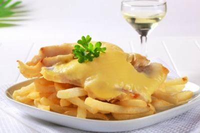 Twice-Cooked Fries with Thick Cheese Sauce