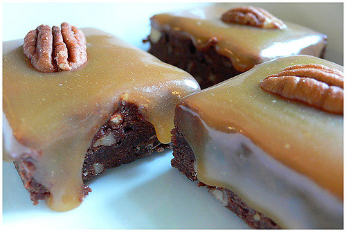 Make Some Delicious Chocolate Caramel Brownies!